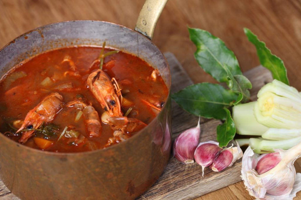 How to make a prawn stock for paella