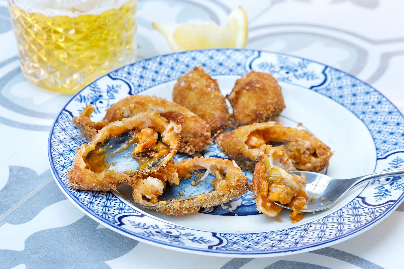 Tigres Stuffed Mussels